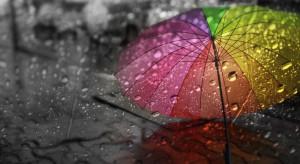 IMGW ostrzega: intensywne opady deszczu w dwóch województwach