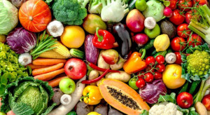 Badanie: Najczęściej spożywanymi produktami przez Polaków są owoce i warzywa