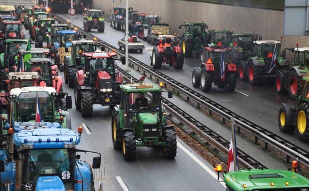 Niemcy: 5 tys. traktorów jedzie na protest do Berlina