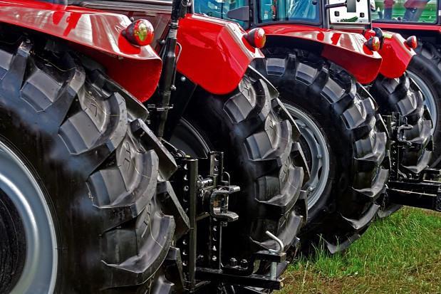 Nastroje w branży maszyn i urządzeń rolniczych bez zmian (badanie)