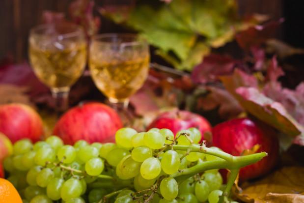 Produkcja win owocowych z niewielkim wzrostem po 10-ciu miesiącach 2019 r.