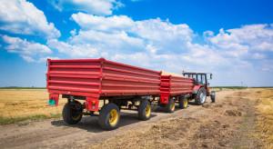 Raport: W listopadzie zarejestrowano 365 nowych przyczep rolniczych