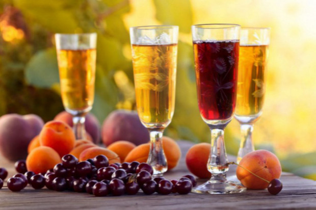 Produkcja win owocowych spadła po 11 miesiącach 2019 r.