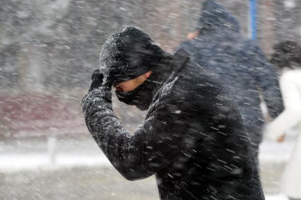 IMGW ostrzega przed intensywnymi opadami deszczu i śniegu