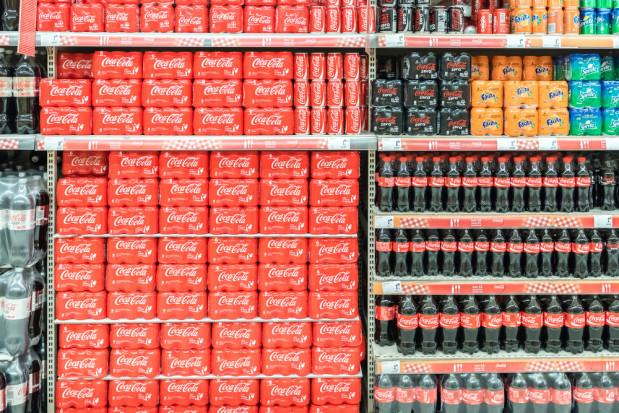 Rząd przyjął projekt ustawy o opłatach od 'małpek' i słodzonych napojów