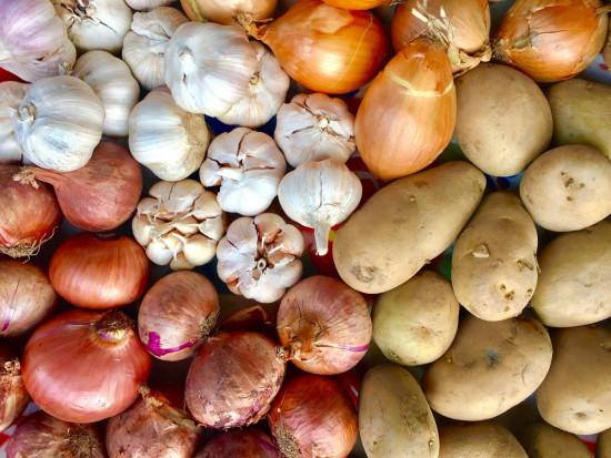 Ceny warzyw 2018-2019: Najbardziej zdrożała cebula, ziemniaki i seler (analiza)