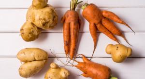 Banki Żywności zachęcają by sięgać po mniej idealne owoce i warzywa w Walentynki