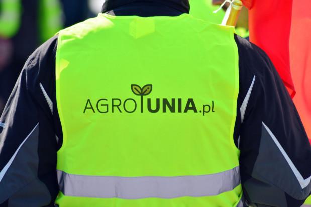 Agrounia protestuje w Warszawie pod siedzibą UOKiK i jedną z Biedronek