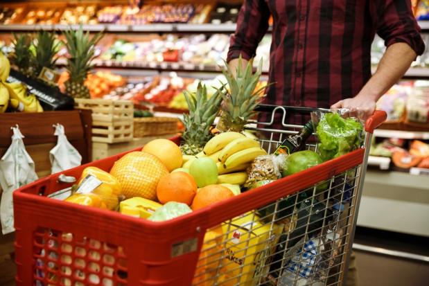 Włochy: władze zapewniają, że nie zabraknie żywności w związku z koronawirusem