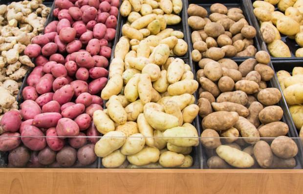 W sklepach dużo mniejsze promocje ziemniaków niż rok temu