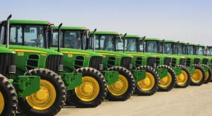 """Deere współpracuje z """"Uberem dla traktorów"""", by wspomóc rolników w Afryce"""