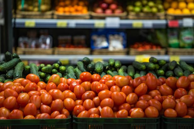 Inspekcja Handlowa wzięła pod lupę 1256 partii warzyw i owoców w 98 supermarketach
