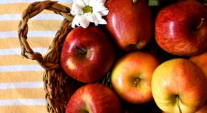 Warszawa: GPW przekazuje stacjom pogotowia ratunkowego świeże owoce