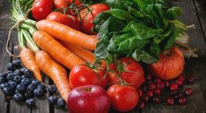 Po które owoce i warzywa najchętniej sięgają Polacy?