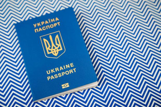 Rynek pracy: Ukraińcy chcą zostać w Polsce. Boją się deportacji