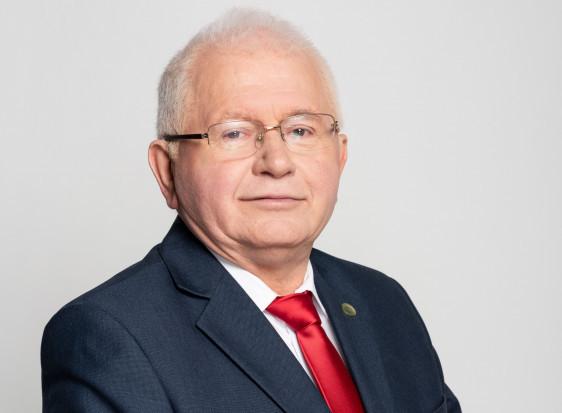 """Prof. Mrówczyński: strategia """"Od pola do stołu"""" spowoduje zmniejszenie produkcji rolnej w UE"""