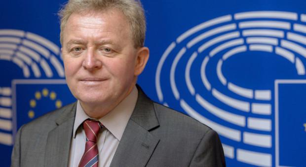 Wojciechowski powołuje się na św. Jana Pawła II, by odeprzeć krytykę strategii UE
