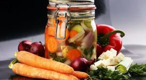 Polacy w czasie epidemii chętnie sięgali po mrożonki i przetwory owocowo-warzywne