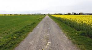 Śląskie: 7,2 mln zł dla gmin na budowę dróg dojazdowych do terenów rolniczych