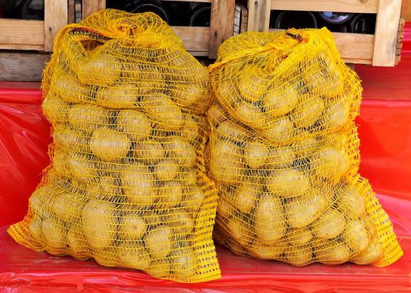 Wczesne ziemniaki z Rumunii sprzedawane jako produkt krajowy