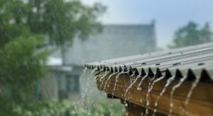 """Rusza program """"Moja woda"""" będzie można dostać do 5 tys. zł na """"złapanie"""" deszczówki"""