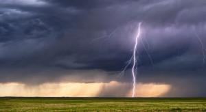 IMGW ostrzega przed burzami z gradem w centralnej i południowej Polsce