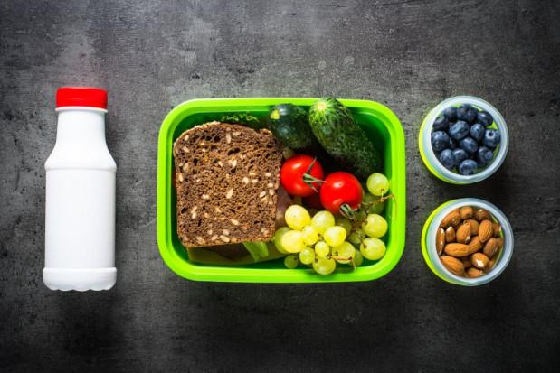 Program dot. spożycia mleka i owoców w szkole będzie nadal realizowany