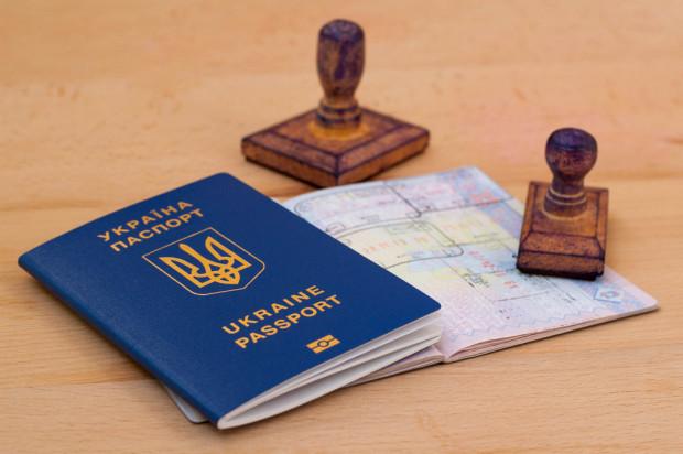 W I połowie 2020 roku wydano 44% mniej wiz dla Ukraińców