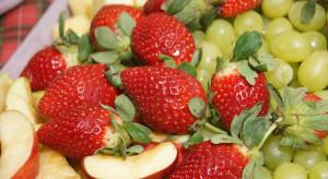 Krajowe jabłka i truskawki są najchętniej spożywanymi owocami przez dzieci