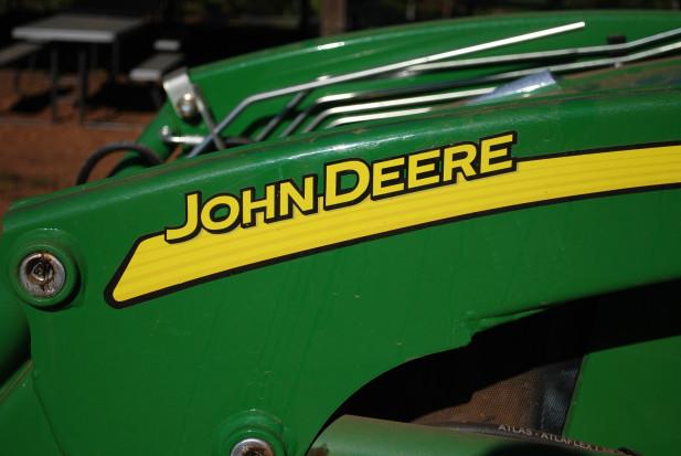 Wyższe prognozy zysków producenta ciągników Deere