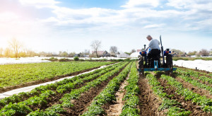 Rolnik przekazujący swoje gospodarstwo może ubiegać się o rekompensatę z PROW