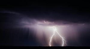 Uwaga! Możliwe burze z gradem w kilku województwach