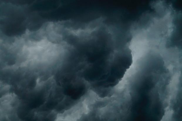 Ostrzeżenia przed silnym deszczem z burzami na południu kraju