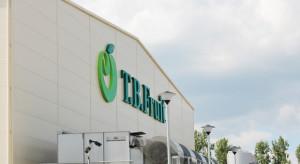 Ukraina: Krytyczna sytuacja w zakładach T.B. Fruit - zwolnieni pracownicy protestują