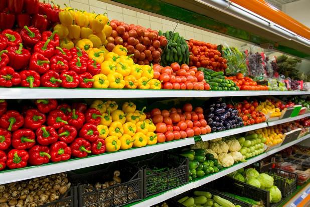 Najtańsze warzywa są w hipermarketach, najdroższe w dyskontach (analiza)