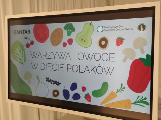 Raport: We wrześniu najpopularniejszym owocem były jabłka, warzywem – pomidory (zdjęcia)