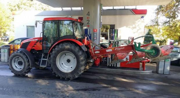 Od października na stacjach benzynowych zatankujemy paliwa przejściowe