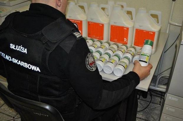Medyka, Podkarpackie: Funkcjonariusze zabezpieczyli 20 kg nielegalnych środków ochrony roślin