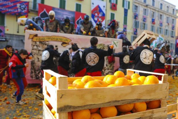 Włochy: Z powodu pandemii nie odbędą się karnawałowe bitwy na pomarańcze
