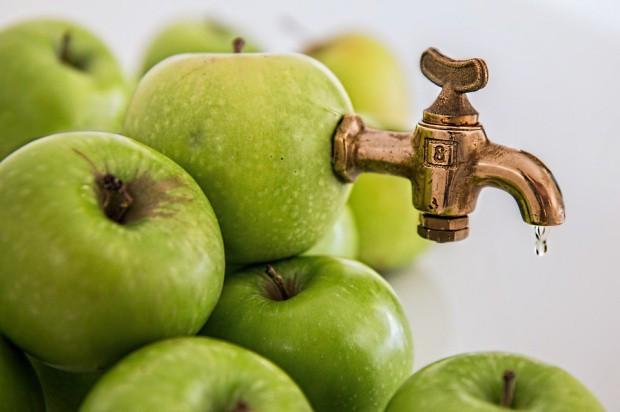 Eksport zagęszczonego soku jabłkowego zmalał o 30% (analiza)