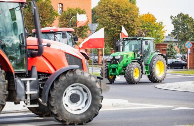 Warmińsko-mazurskie: Rolnicy blokują drogi krajowe w okolicach Szczytna, Bartoszyc i Ostródy