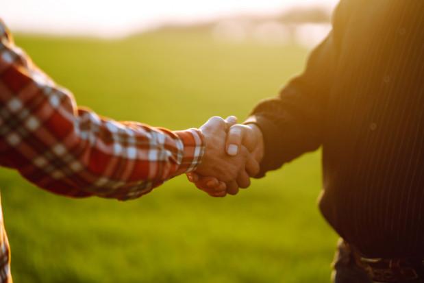 Kto potwierdza zawarcie umowy dzierżawy gruntów rolnych? - MRiRW wyjaśnia