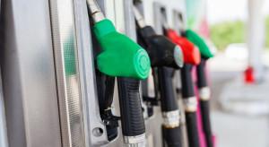Analitycy e-petrol: diesel i benzyna coraz tańsze