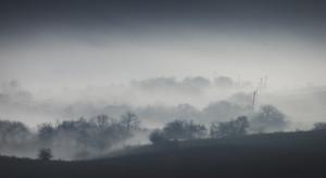 IMGW ostrzega przed gęstymi mgłami w nocy