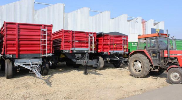 Niewielki spadek sprzedaży nowych przyczep rolniczych