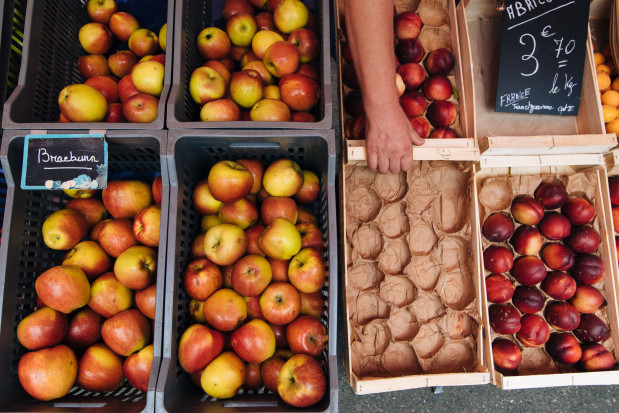 Ceny jabłek w popularnych sieciach handlowych - duże rozbieżności