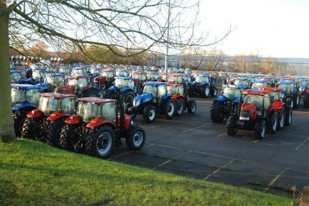 Listopad drugim kolejnym miesiącem spadków sprzedaży nowy ciągników