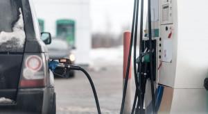 Analitycy: 2021 r. zacznie się od podwyżek cen paliw na stacjach