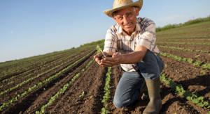 Rolnicza emerytura z prawem do dalszego prowadzenia gospodarstwa