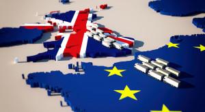 Brexit: Umowa handlowa między UE a UK zatwierdzona. Będą kontrolne na granicy